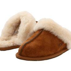 UGG Scuffette II (Chestnut (Suede)) Women's Slippers
