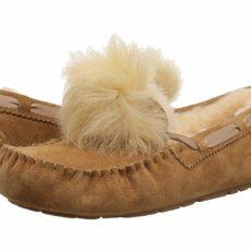 UGG Dakota Pom Pom (Chestnut) Women's Flat Shoes
